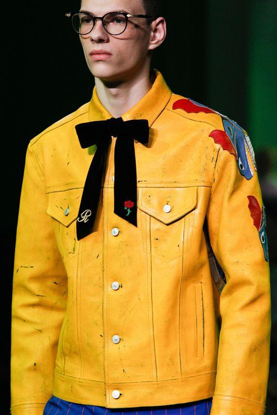 Gu thời trang nam năng động và thanh lịch với sắc vàng
