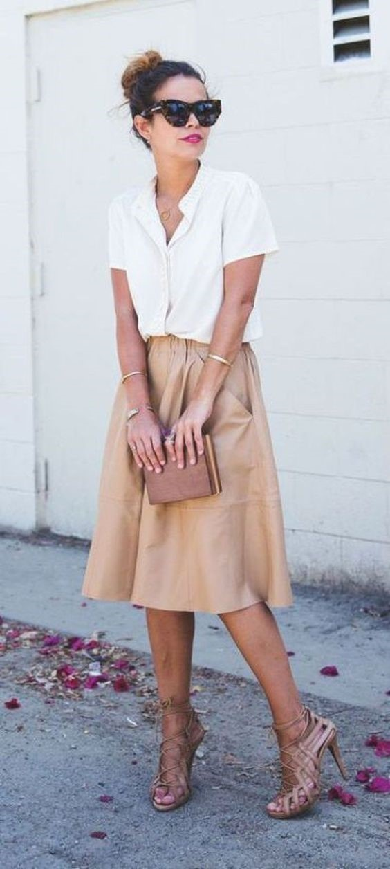 kiểu áo sơ mi nữ tay ngắn kết hợp cùng váy kaki vintage