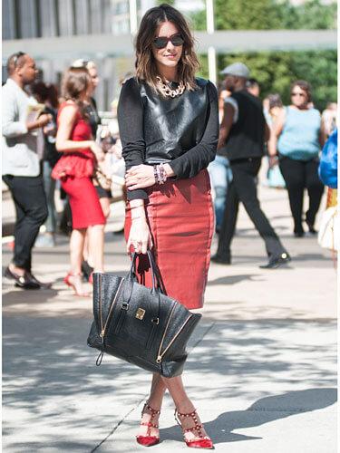 """Chân váy bút chì cạp cao món đồ """"must - have"""" kinh điển trong giới thời trang"""