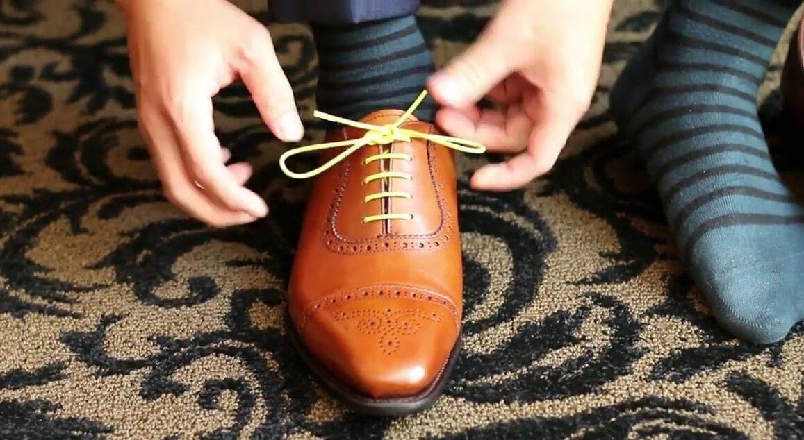 Cách thắt dây giày 6 lỗ kiểu song song