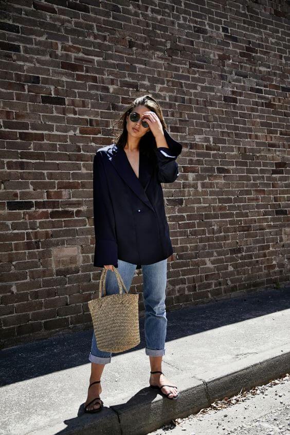 Kết hợp áo free size với quần dài