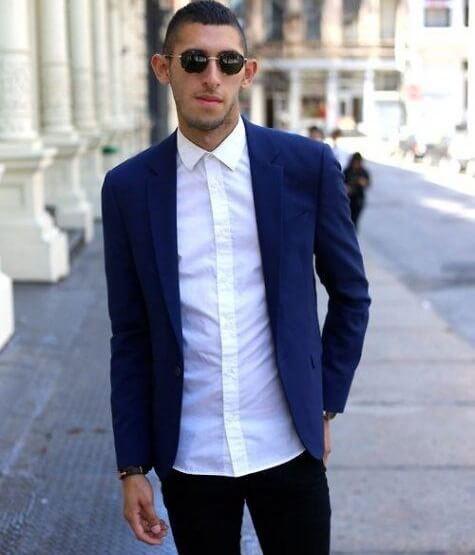 Một chàng soái ca lịch lãm sơ mi trắng với suit