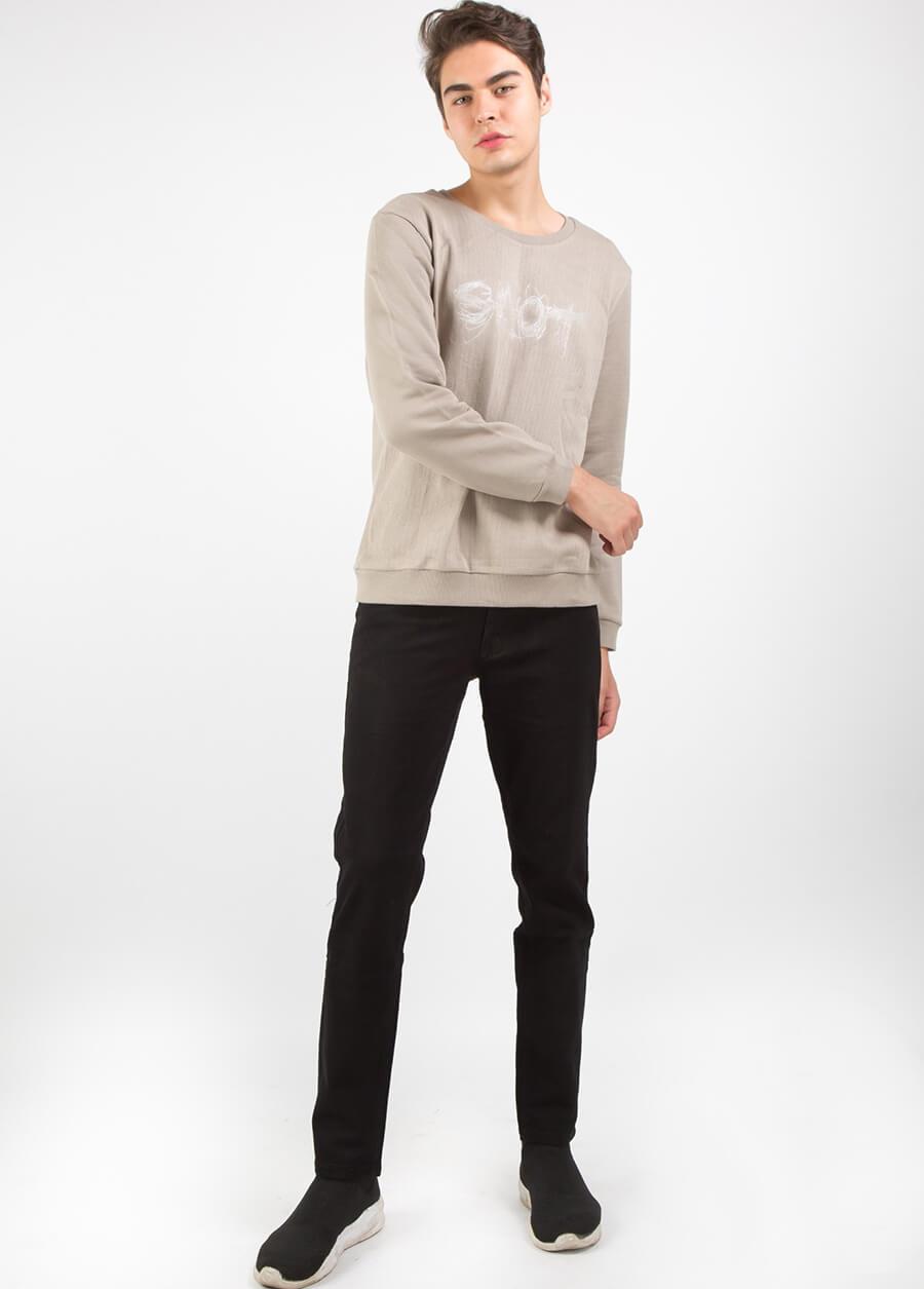 Công thức cổ điển áo thun nam và quần jean