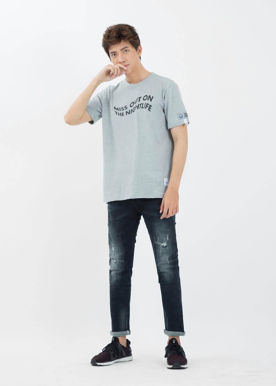 Cách phối đồ áo thun với quần jeans rách nam