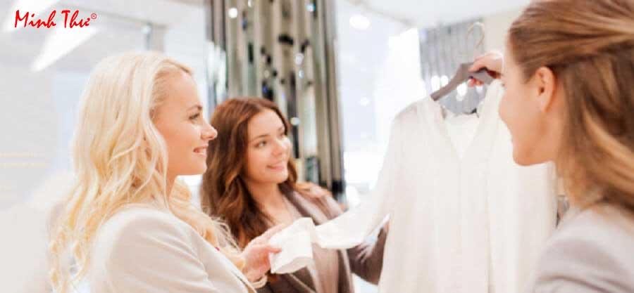 Những kỹ năng bán hàng quần áo thời trang hiệu quả và chuyên nghiệp