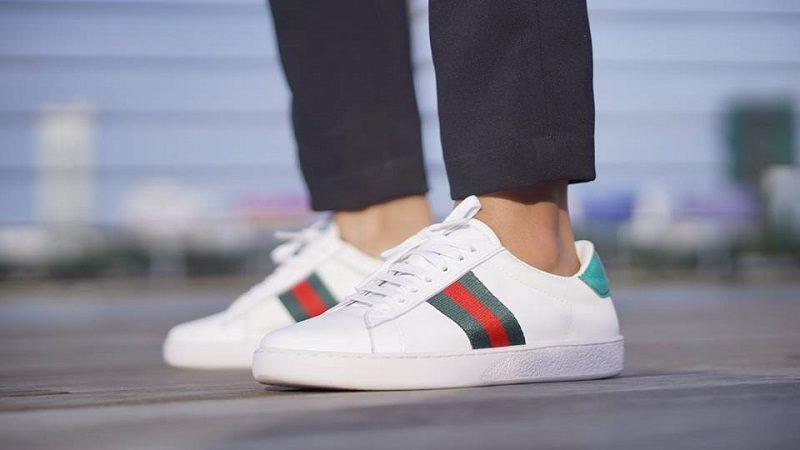 quần tây sơ mi trắng giày trắng