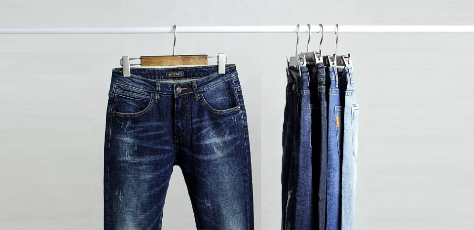Cách giặt quần jeans không bị phai màu
