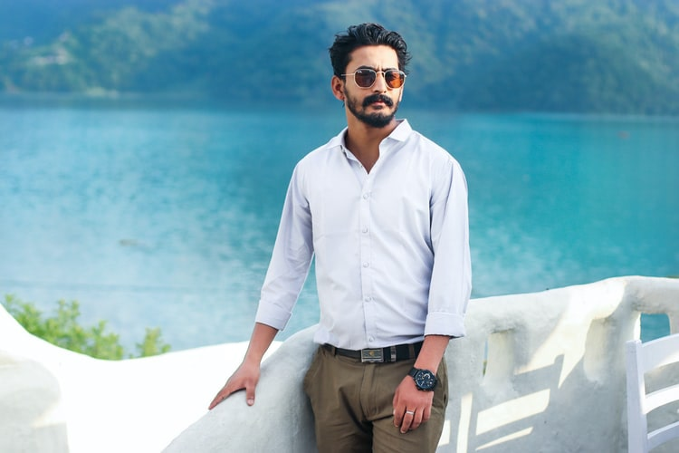 cách chọn áo sơ mi trắng phù hợp cho nam giới