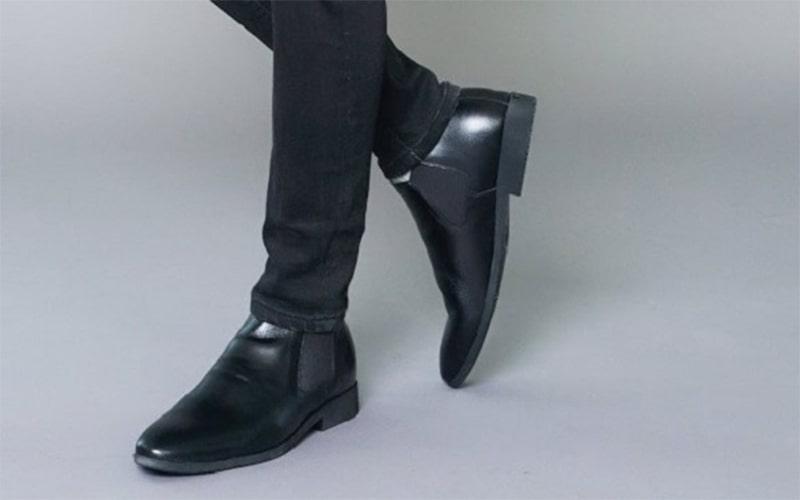 kết hợp jean đen vs giày tây