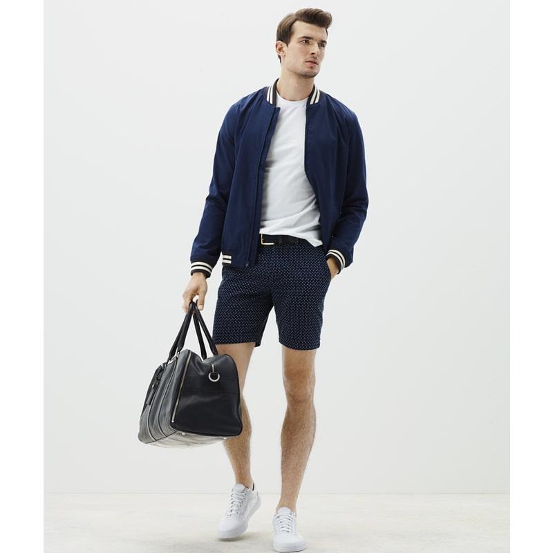 phối quần short nam với áo bomber