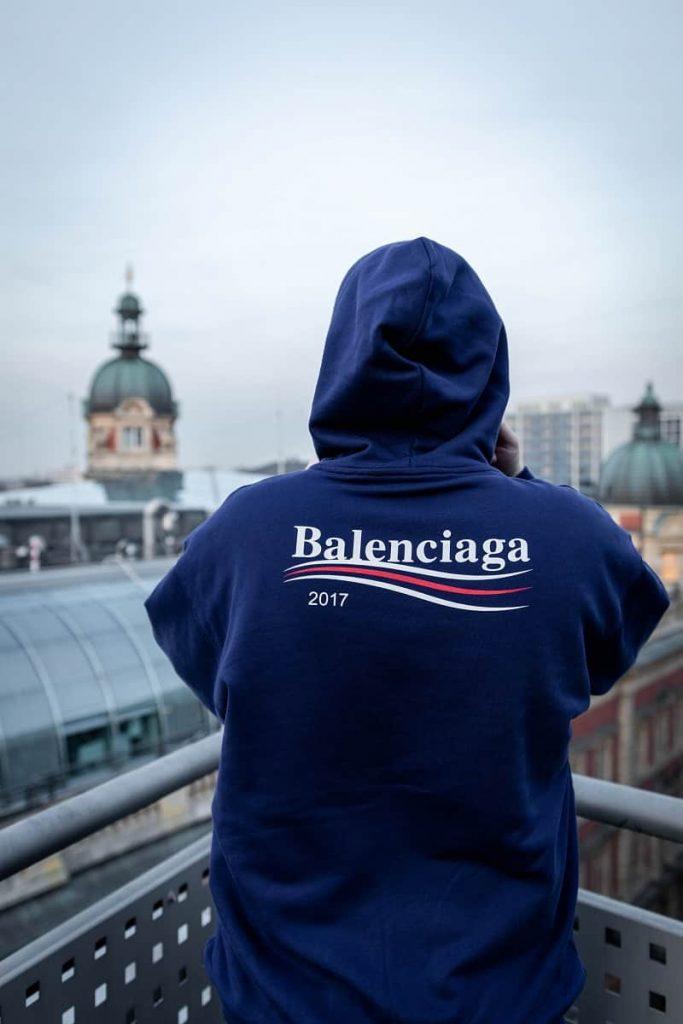 áo hoodie balenciaga
