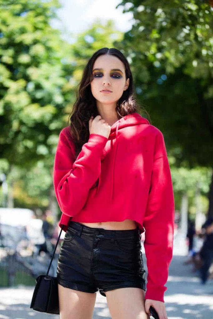 Trở nên xinh đẹp với set đồ áo hoodie với quần short
