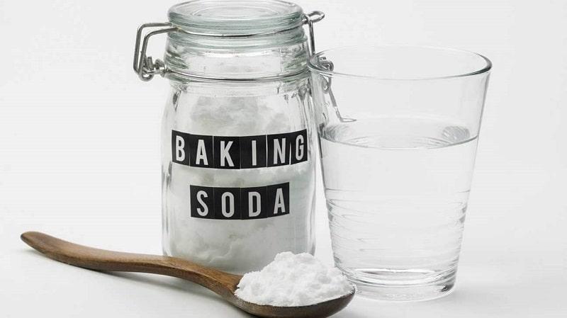 tẩy xông kim bằng baking soda