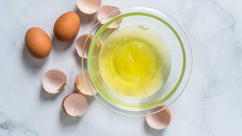 trị xông kim bằng lòng trắng trứng gà