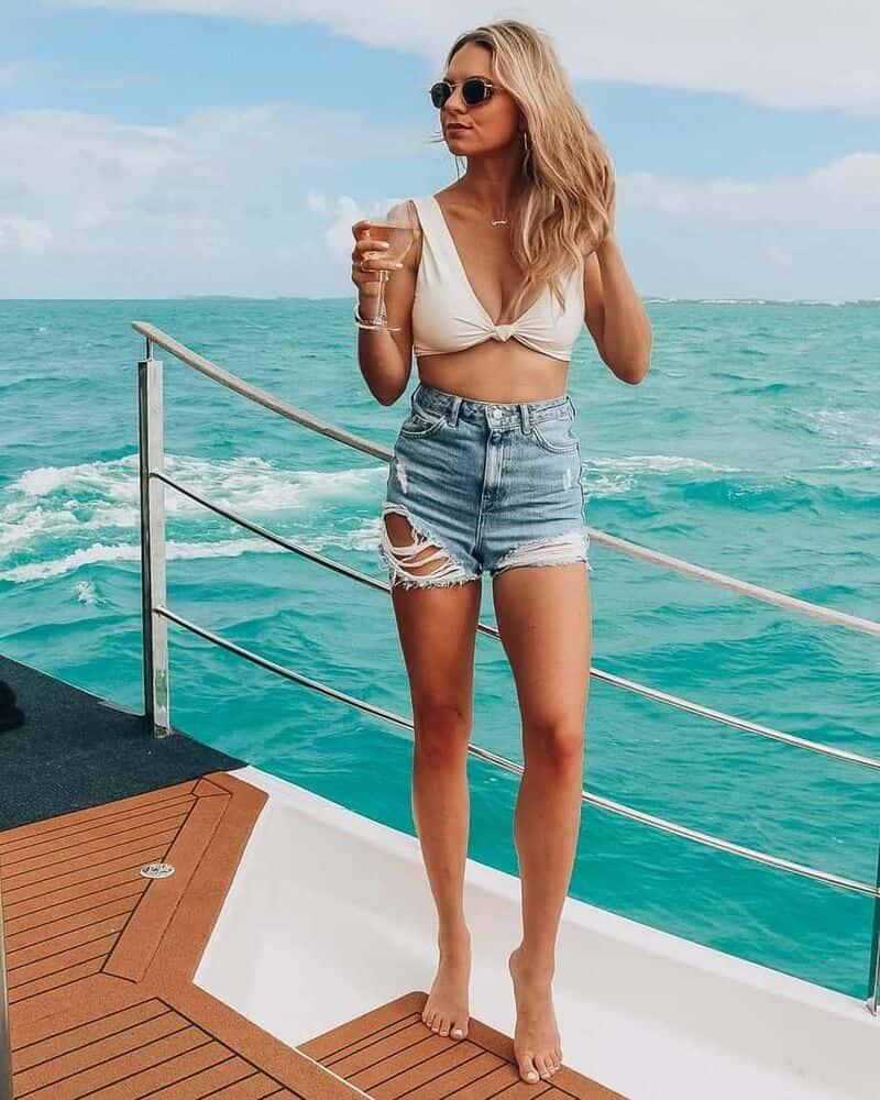 Áo croptop + quần short jean