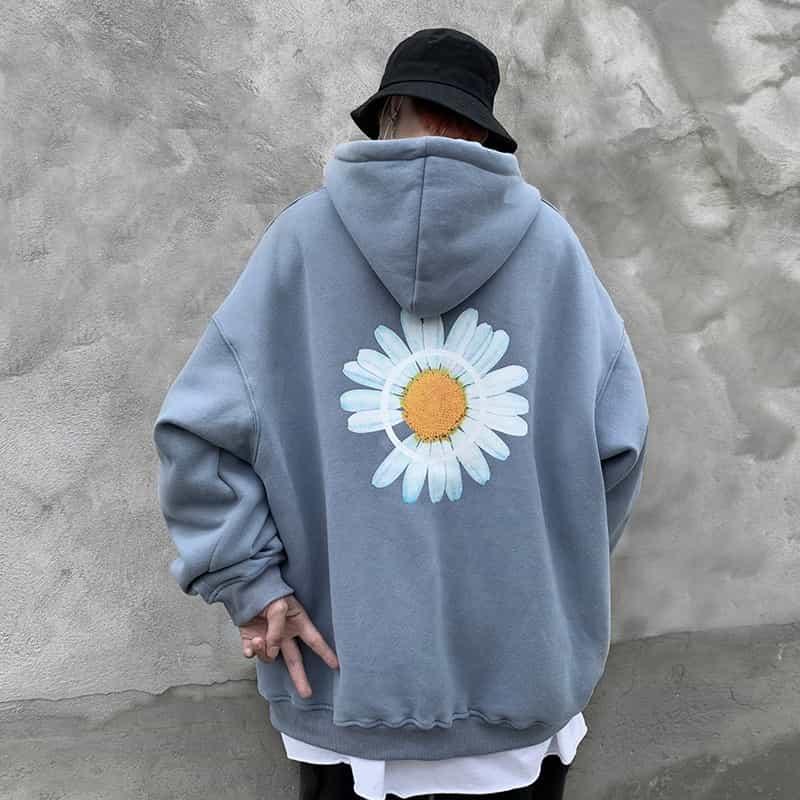 Sử dụng nhiều các mẫu áo có form hơi rộng như Sweater, Sweatshirt, hoodie hay áo thun Oversize