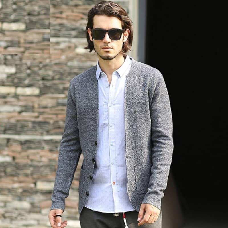 Phối áo Cardigan nam với quần tây, áo sơ mi cho dân công sở