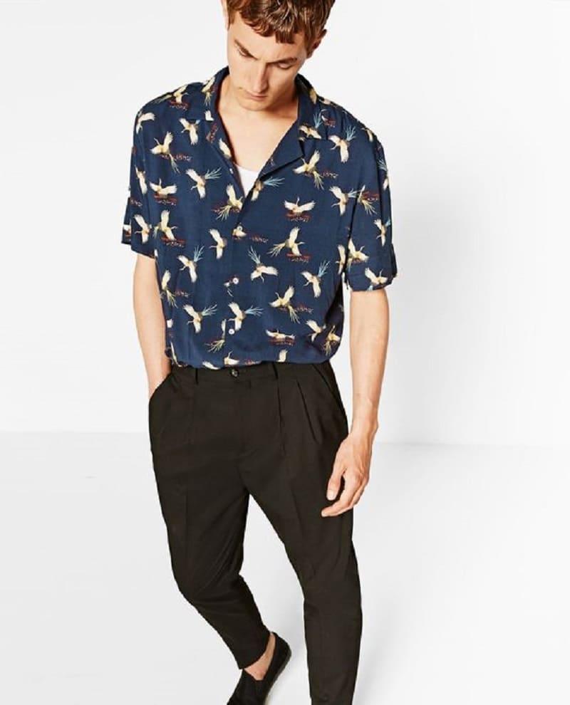 Phối áo sơ mi nam họa tiết ngắn tay với quần tây đen